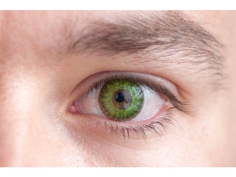 Fresh green na hnědém oku